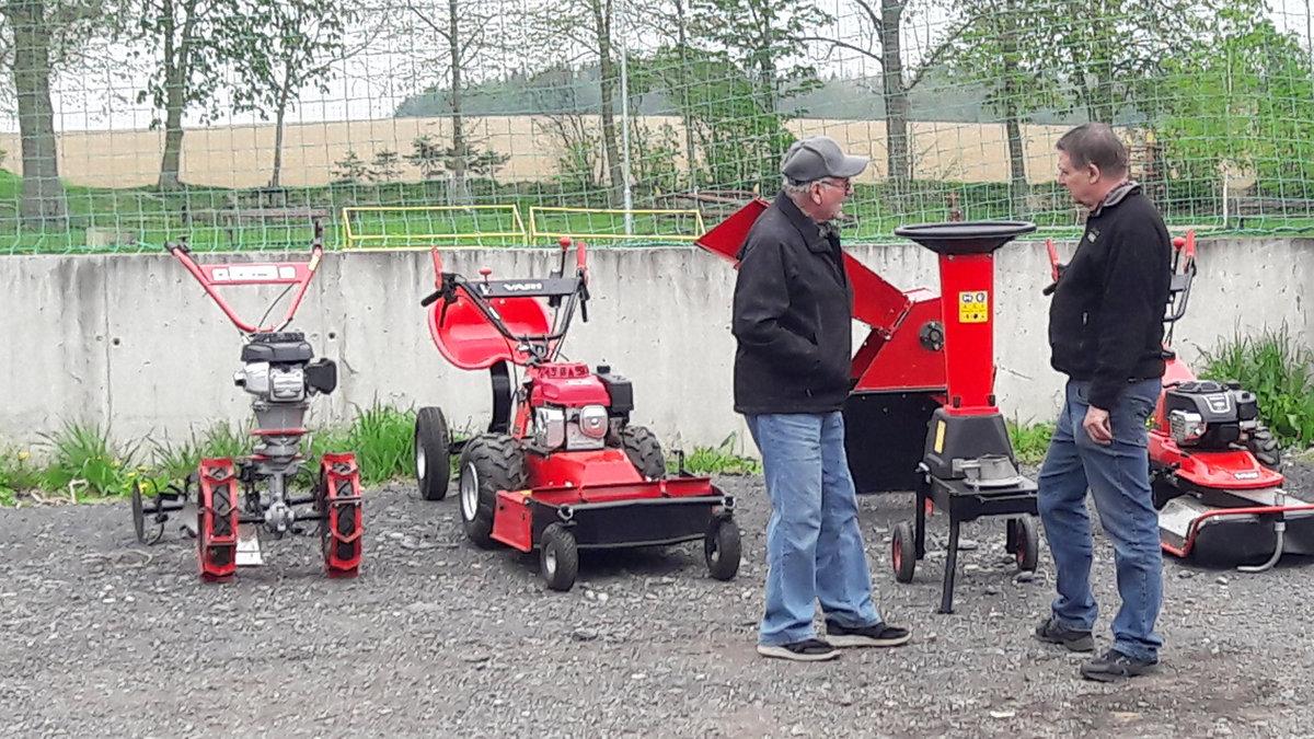 Mulčovací a kypřící stroje, zemědělská technika