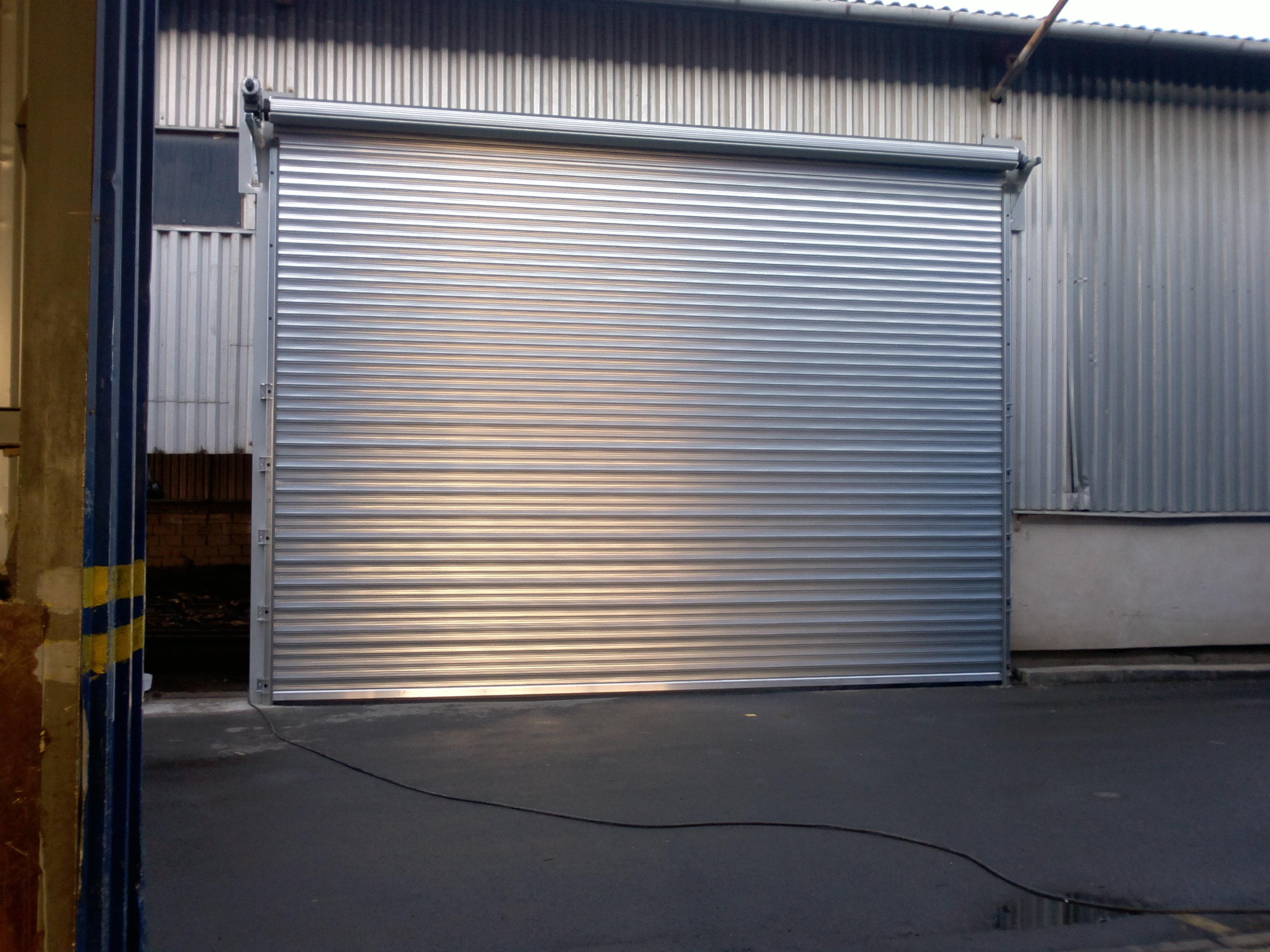 Vrata sekční garážová, průmyslová, rolovací, celovýklopná, Opava