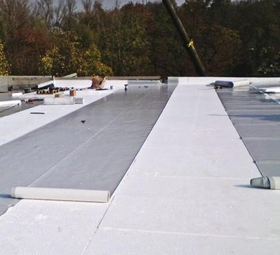 Pokládka asfaltových pásů na střechu