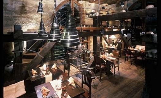 Restaurace u Jindřišské věže Praha, točíme pivo jako křen