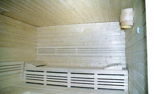 Truhlářské výrobky na zakázku Plzeň, vyrábíme postele, nábytek, sauny, altány, pergoly, zábradlí