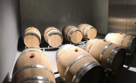 Gravitační vinařství VILAVIN Břeclav, uložení v sudech
