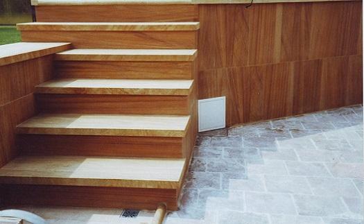 Obložení schodů a schodišťových stupňů z kamene v různém provedení