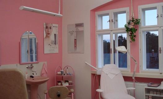 Kompletní ošetření pleti a prodej dekorativní kosmetiky Nové Město na Moravě