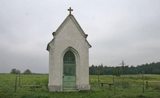Obec Žerůtky okres Znojmo, kaple se zvoničkou