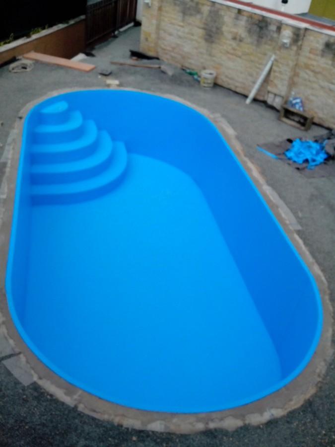 Izolace bazénů a zahradních jezírek