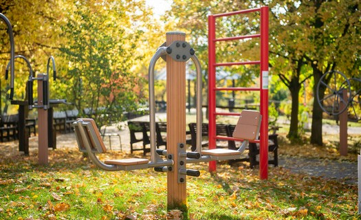 Domov pro seniory Háje, Praha, zahrada s cvičebními prvky