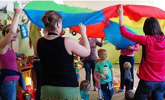 Jablíčko - centrum pro rodinu Jablonec nad Nisou, hraní s dětmi