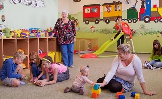 Jablíčko - centrum pro rodinu Jablonec nad Nisou, vítaní jsou také prarodiče