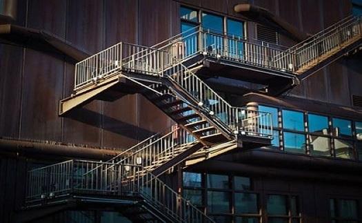 Výroba a dodávka ocelových konstrukcí na zakázku – kovové stavební konstrukce