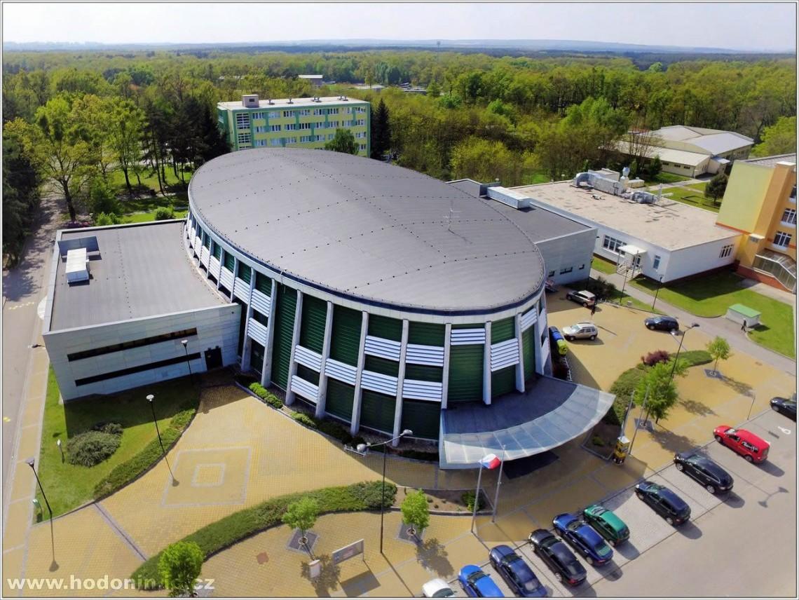 Kompletní sportovní zázemí v Hodoníně, sportovní zařízení, sportovní hala, zimní stadion