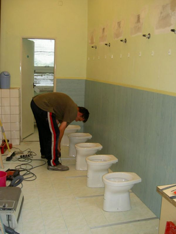 Výměna WC ve školách