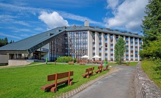 Wellness Hotel Svornost Harrachov, ubytování 5 minut od centra, restaurace s barem, bazén