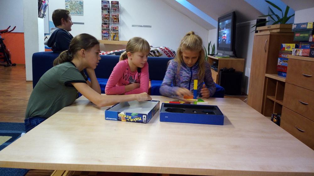 Školní klub - hraní her a zábava pro větší děti