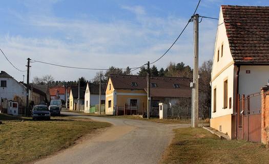 Obec Kbelany v okrese Plzeň, severní část vsi