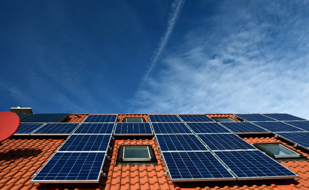 solární baterie a komponenty pro fotovoltaiku