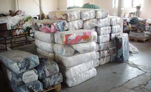 Zpracování sběrového textilu ze zahraničí Liberec