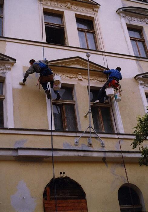 Výškové stavební práce, nátěry, mytí, kácení
