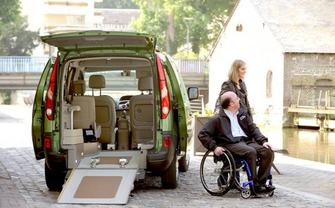 Vozy pro zdravotně postížené na vozíku