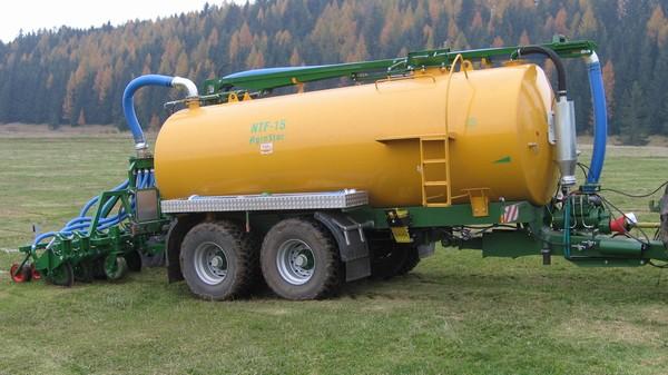 Traktorové fekální návěsy, Velká Bíteš