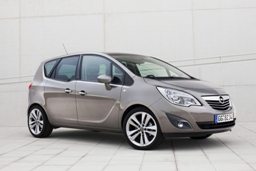 Autosalon Audi, Škoda, Opel, Peugeot – Olfin Car