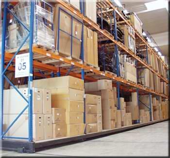Herstellung der Lagersysteme, Lagerbühnen, Regalanlagen Ungarisch Brod, die Tschechische Republik