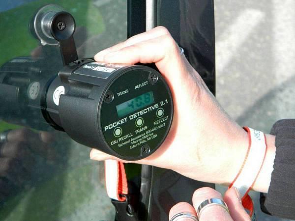 Měření propustnosti fólií certifikovaným přístrojem Praha