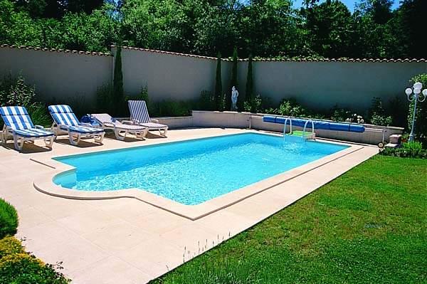Zahradní betonové bazény, rodinné bazény - a radost z koupání je zaručena od společnosti Bazény Desjoyaux, s.r.o.
