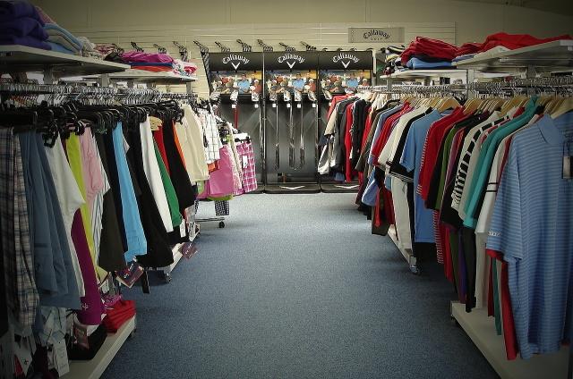 Letní výprodeje a akce golfového oblečení, MAXIgolf Brno