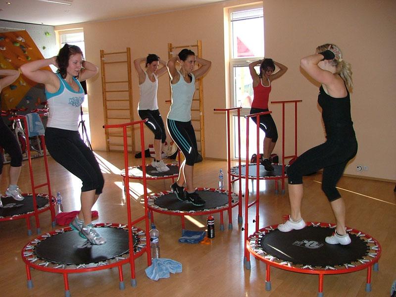 Squash Liberec spinning zumba cvičení solárium sauna trampolínky Liberec.