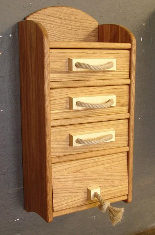 Originální dřevěné doplňky, nábytek z masivu Jeseník