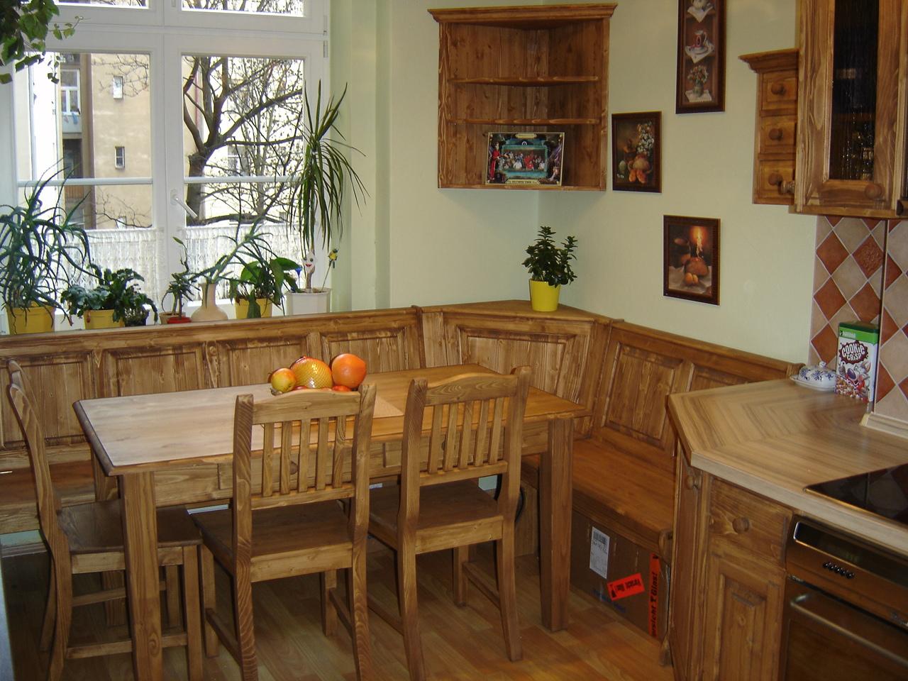 Výroba dřevěného nábytku z masivu