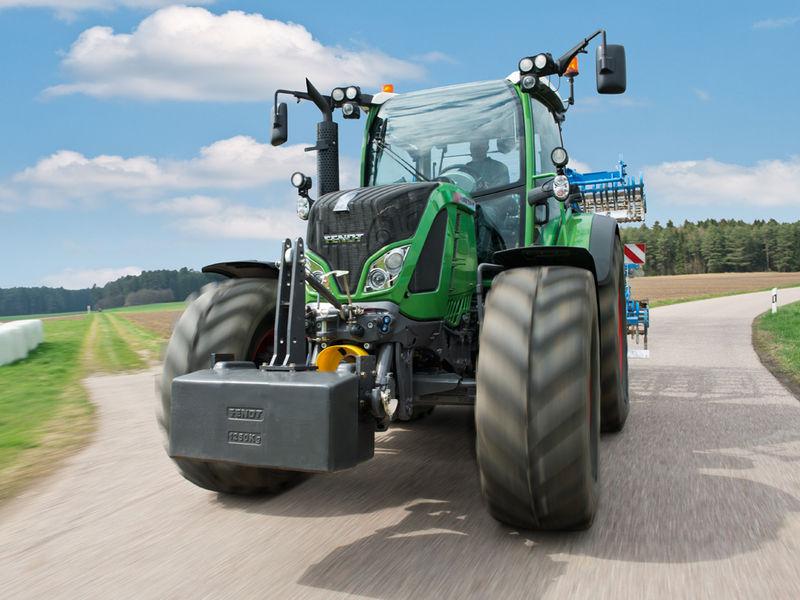 Dvě traktorové novinky letošního podzimu - PEKASS a.s.
