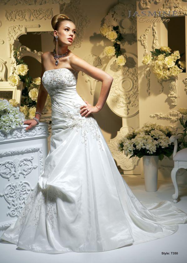 f37e4c324993 Svatební salon