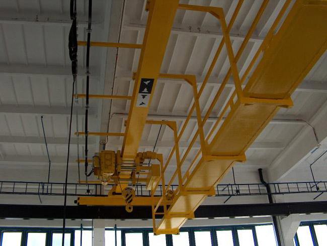 Dodávka, konstrukce, engineering jeřáby mostové, sloupové, portálové, s hákem, s traverzou