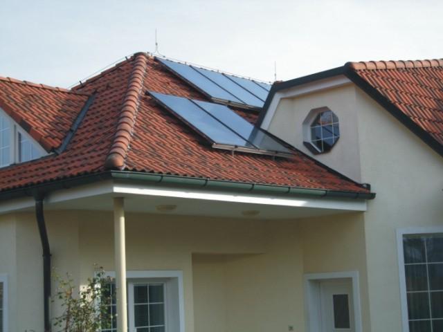 Montáže revize servis opravy fotovoltaické systémy elektrárny solární systémy.