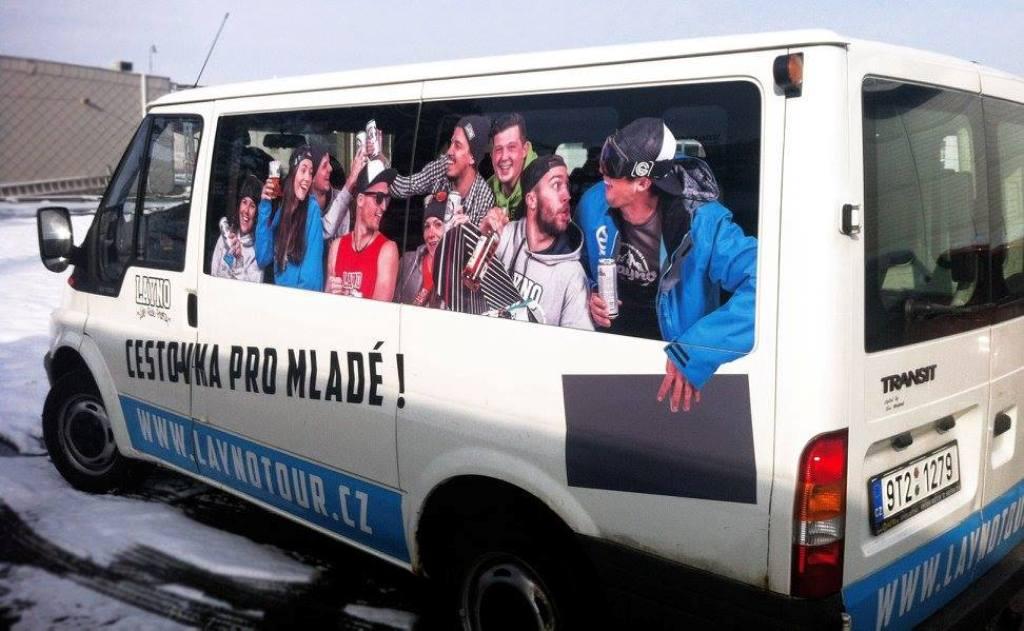 Reklamní polepy nákladních i osobních aut - fólie se zvýšenou ochranou laku Opava