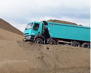 Přeprava sypkých hmot cementu písku popílku autodoprava Most Louny