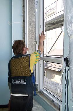 Montáž, demontáž oken a dveří, zednické úpravy, zasklívání Valašské Meziříčí