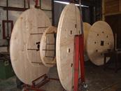 Výroba, vývoz, dřevěné kabelové bubny Olomouc, Brno, Ostrava