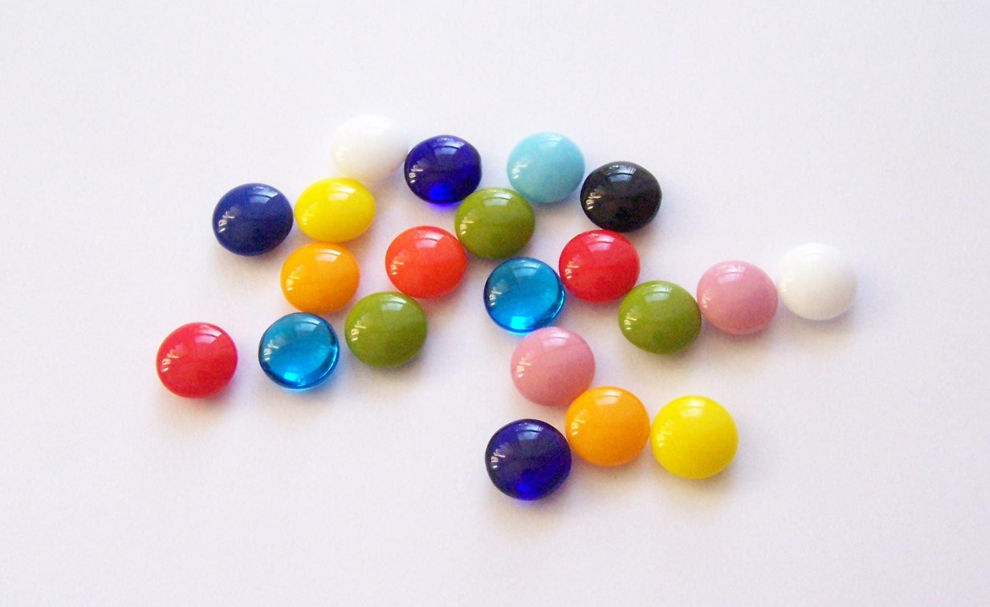 Glass pressed beads