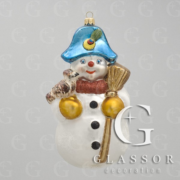 Production sale traditional Czech Christmas ornaments blown glass hand-painted Christmas decorations, the Czech Republic