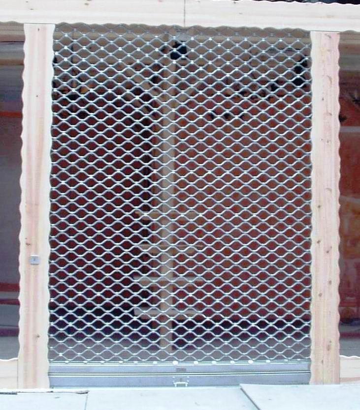 Rolovací mříže a výkladce, bezpečnostní dveře