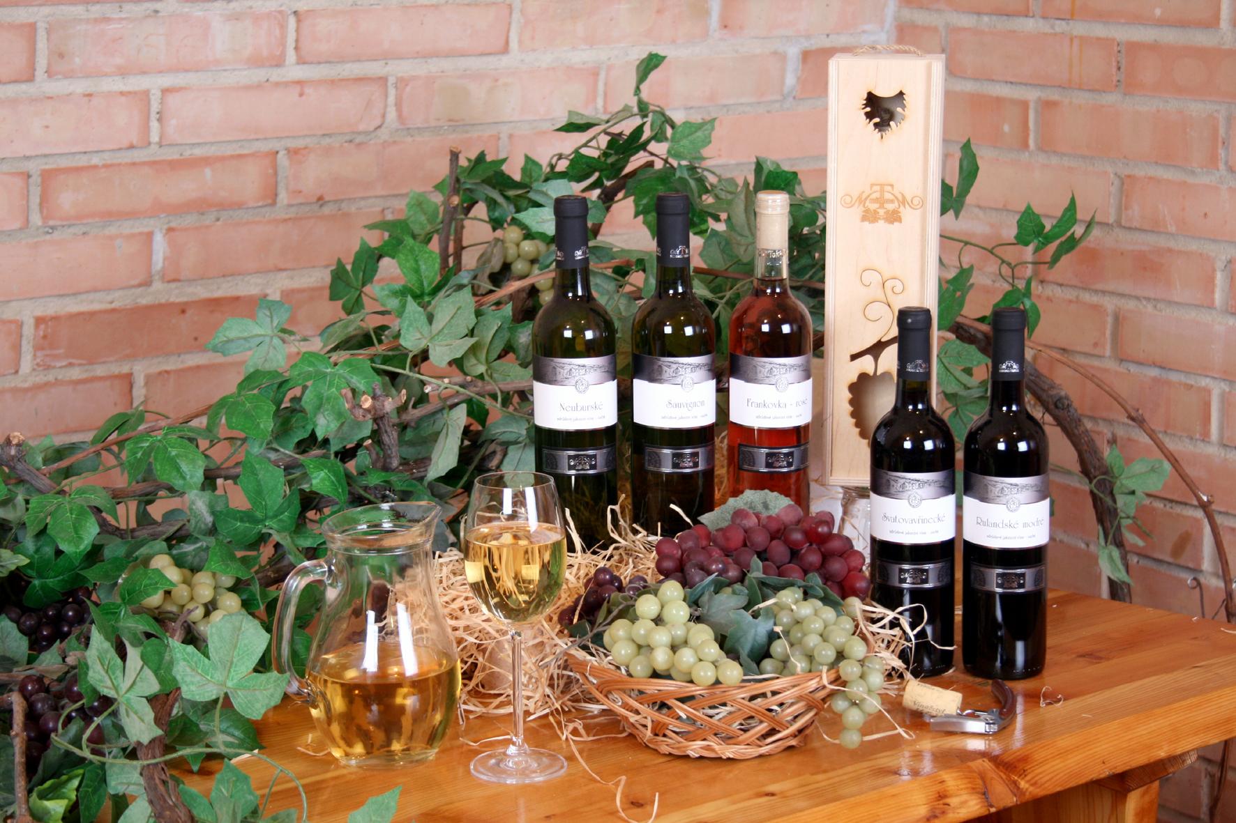 Dárkové víno jako vánoční a novoroční dárek