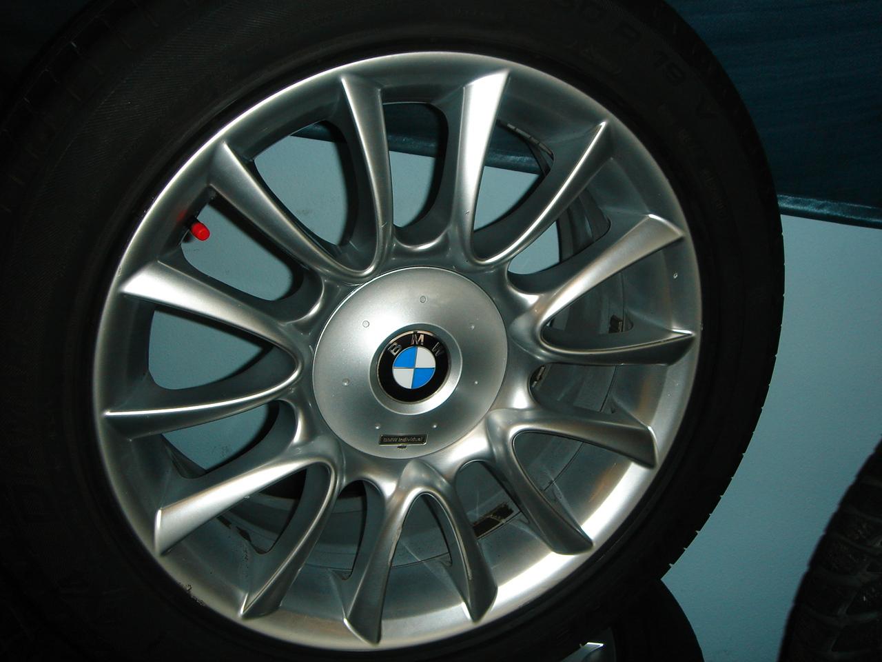 Použitá a nová kompletní kola a náhradní díly na vozy BMW, České Budějovice.