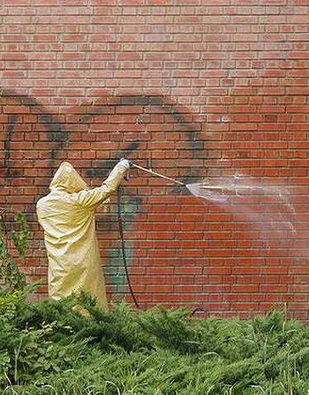 Odstraňování graffiti čištění mytí fasád odstranění nečistot Praha