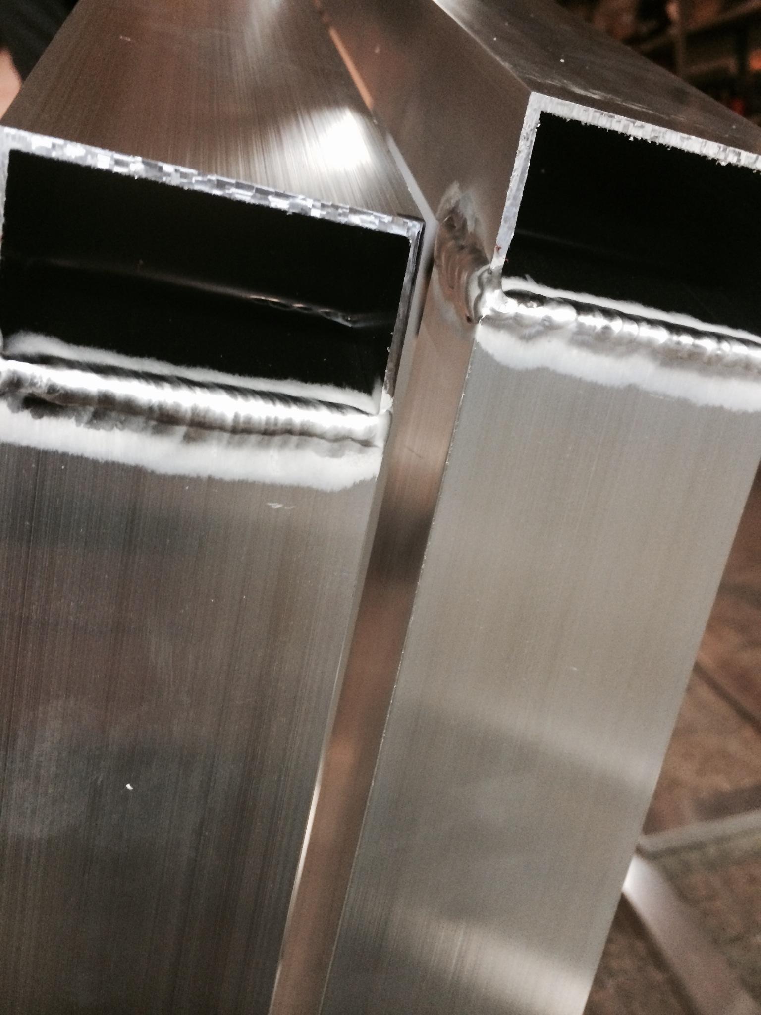 Svařování hliníku, zakružování, ohýbání hliníkových profilů ohýbačkou plechů