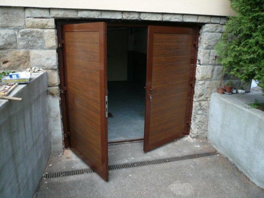 Montáž sekční garážová vrata Rožnov pod Radhoštěm
