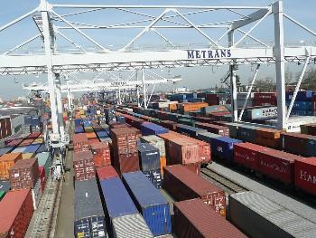 Skladové námořní kontejnery