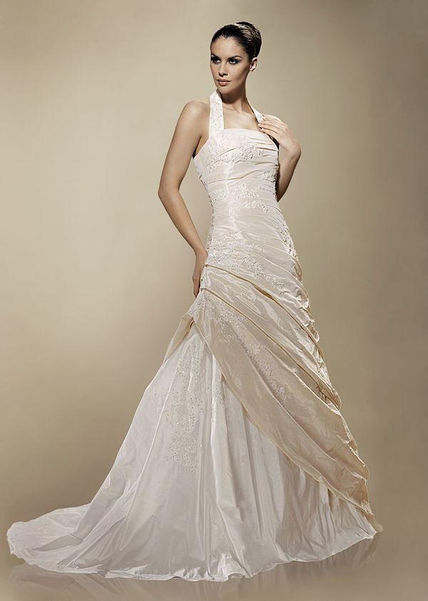 Půjčovna luxusních svatebních a společenských šatů Kladno